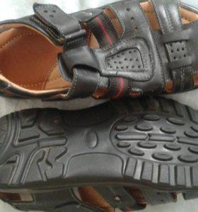 Новык сандали