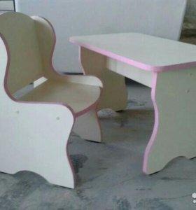 Столик и стульчик детские