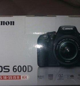 Зеркальный фотопорат Canon600D