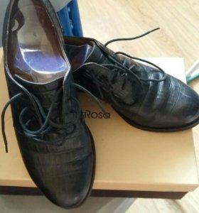 Ботинки. Туфли женские 38