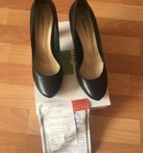 Женские туфли р-р 40