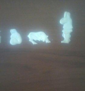 Фигуры из моржового клыка