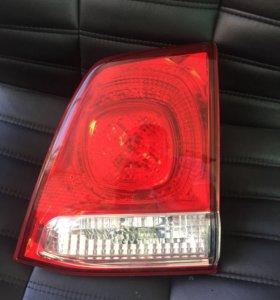 Toyota Land Cruiser 200 фонарь правый внутренний