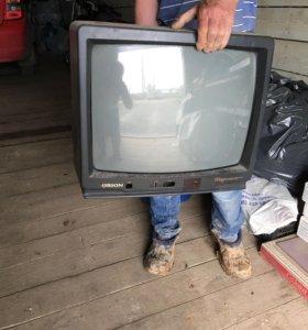 Продаётся телевизор на запчасти торг