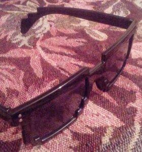 Пиксельные очки.