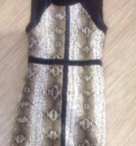 Платье с код вставками
