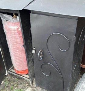 газовый балон и ящик