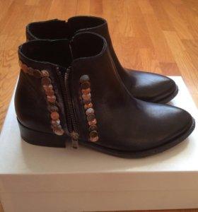 Кожаные ботинки. Размер 36