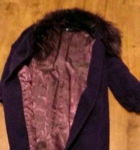 Пальто зимнее(состав 100% шерсть) мех енот