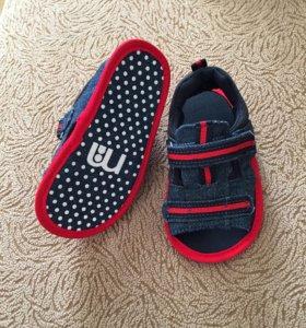 Новые сандали mothercare
