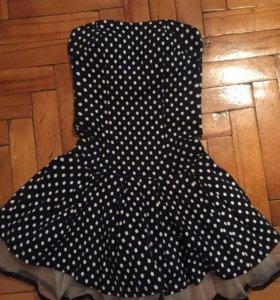 Очень оригинальное платье ...в отличном состоянии