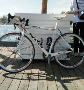Шоссейный велосипед kyklos