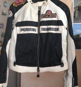 Мотобайкерская женская куртка