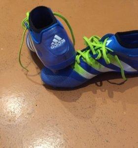 Бутсы adidas 41,5-42 р