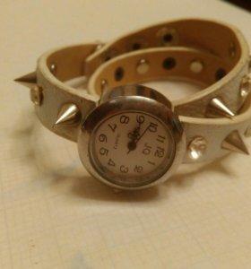 Часы для украшения