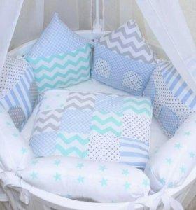 Бортики подушки в круглую кроватку