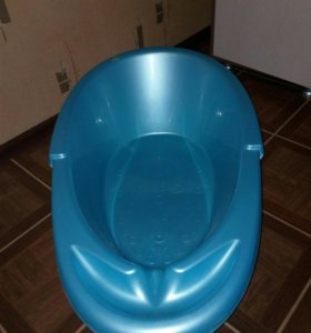 Ванная и стульчик для купания малыша