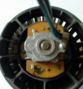 2110-12 мотор вентилятора печки .
