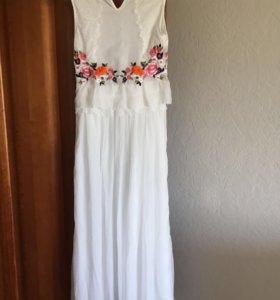 Платье летнее с вышивкой новое