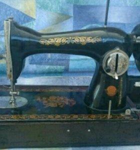 Швейная машина Пмз им Калинина.