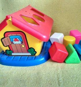 Развивающая игрушка - сортер Домик
