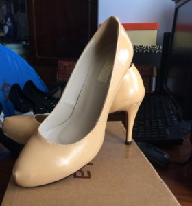 Туфли р.36-37 (новые)лакированные