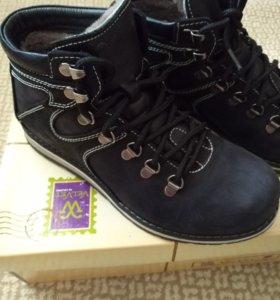 Ботинки зима размер 39 .