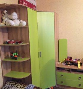 Шкаф угловой комбинированнный