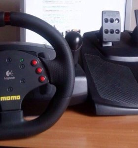 Руль и педали Logitech momo Racing Force