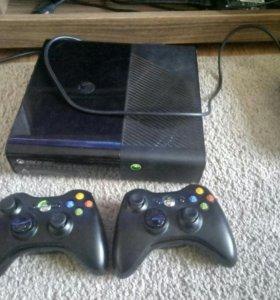 Xbox 360 e 250gb Freeboot