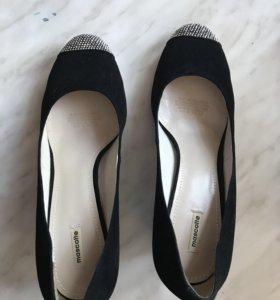 Новые туфли замшевые чёрные mascotte