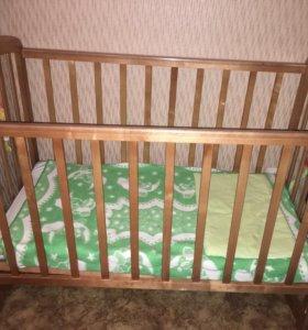 Детская кроватка+ матрас+ клеёнка на матрас