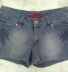 Шорты джинсовые, стрейч, с разрезами до пояса
