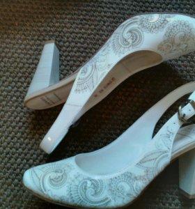 Туфли Carnaby 38 размера