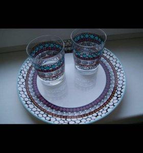 Стаканы и тарелки
