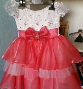 Платье на девочку с 3 до 5 лет