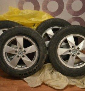 Комплект колес (литые диски и летняя резина)