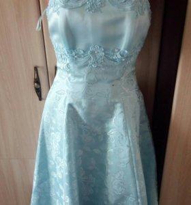 Новое платье для выпускного вечера.