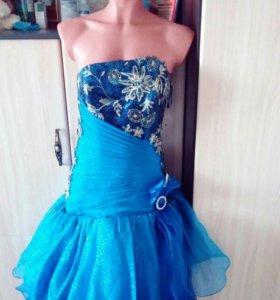 Новое платье для выпускного вечера
