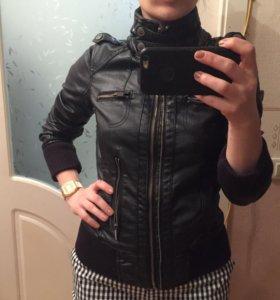 Куртка bershka из кожзама 44