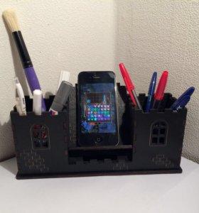 Карандашница с подставкой для телефона