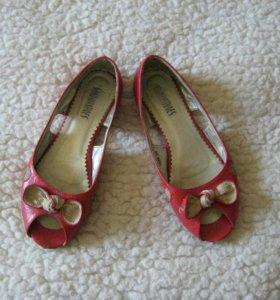 Обувь балетки красные б/у 38