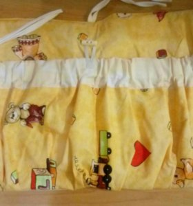 Текстильный кармашек на детскую кроватку.