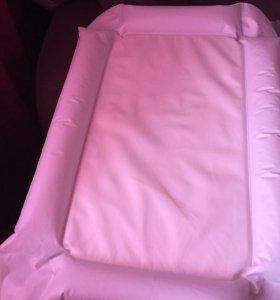 Пеленальный матрац надувной