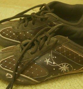 Кроссовки для девочки 32 размера