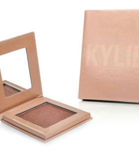 Kylie пудра-хайлайтер