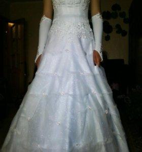 Свадебное платье + подарки!!!провела в нё