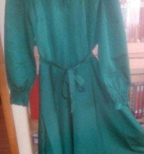 Ярко зеленое платье