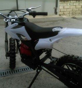 Мотоцикл 49сс Pitbike