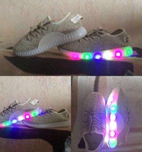 Новые Светящиеся кроссовки 👟